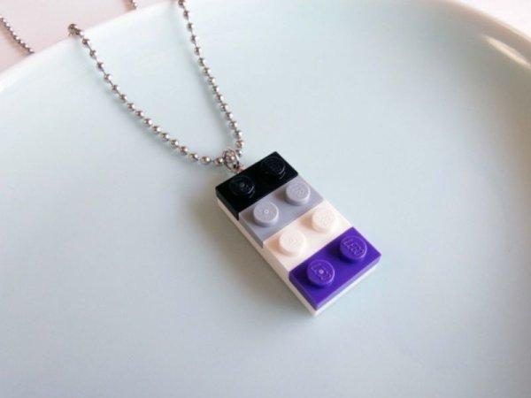 画像1: レゴブロックネックレス(Aセクシュアルカラー/大) (1)